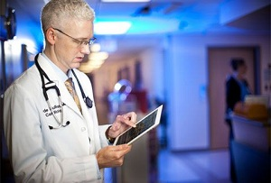 How Physicians Utilize Digital Media for Patient Interaction: Infographic