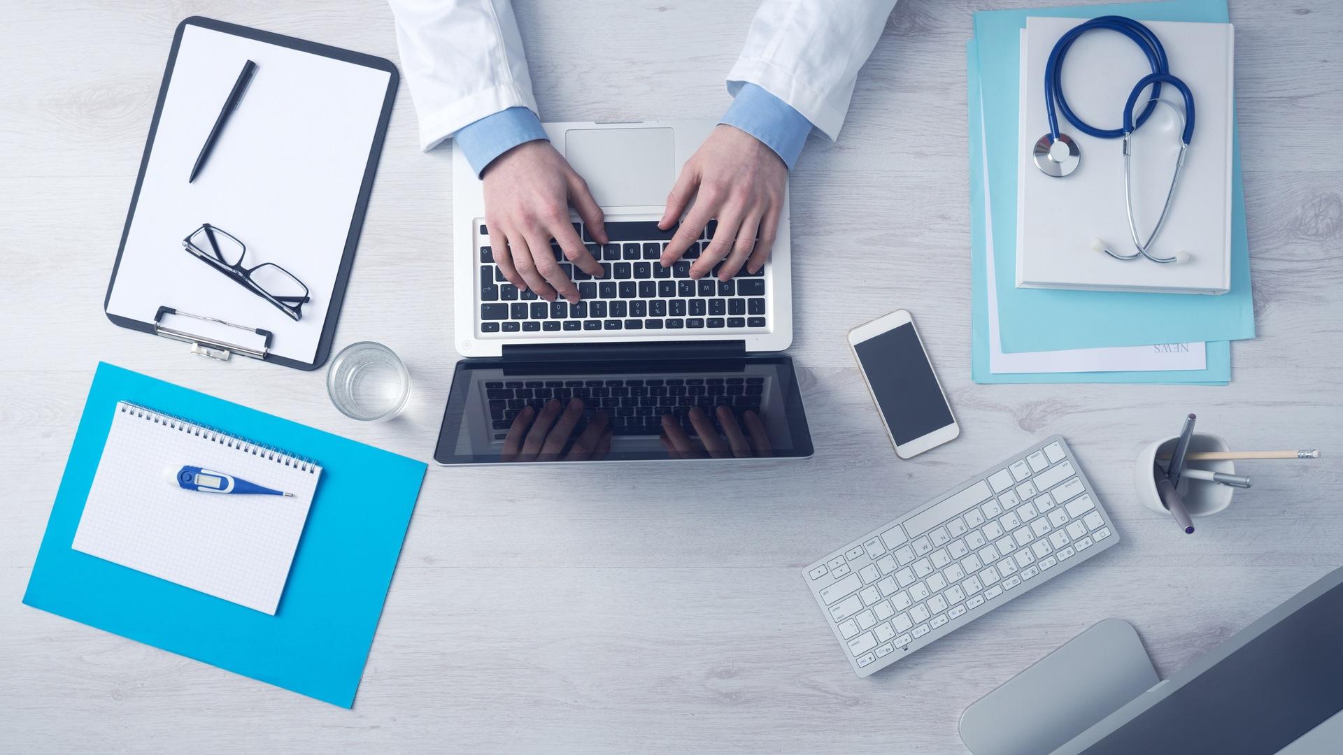 doctor_computer