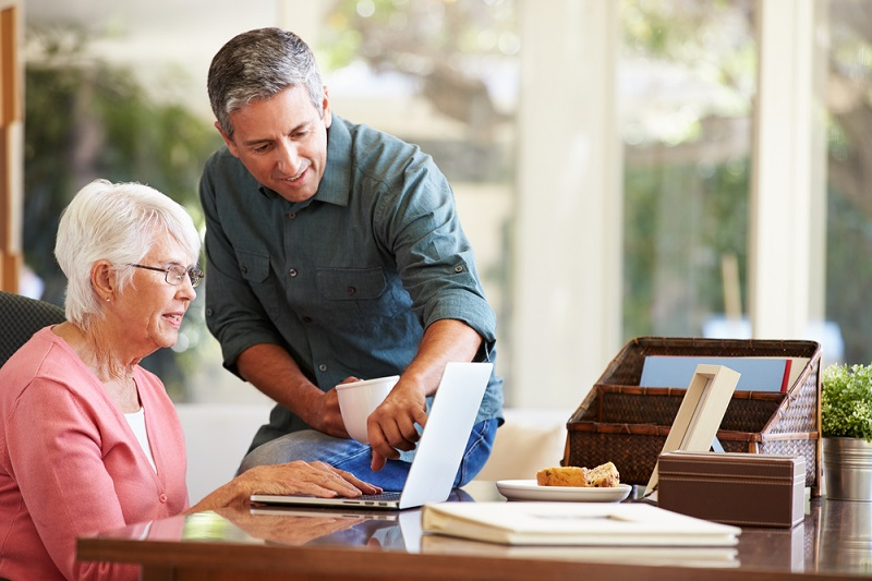 Helping Your Aging Parents Plan For Their Financial Future