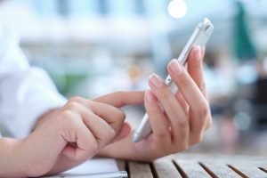 5 Ways to Use Texting in Healthcare Marketing and Engagement