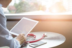 How Doctors Can Use Mobile eHealth Apps To Monitor Their Patients