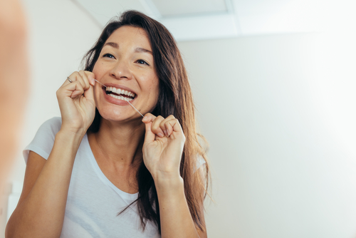 Pros And Cons Of Flossing: Why Is This Dental Tip Overlooked?