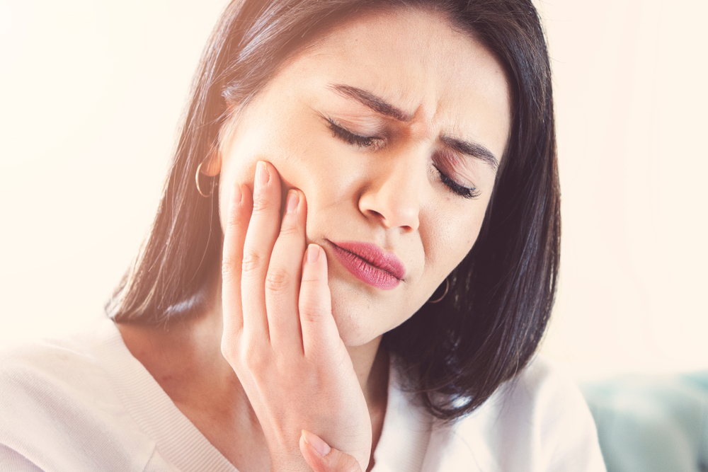 5 Urgent Steps To Take To Stop Gum Bleeding