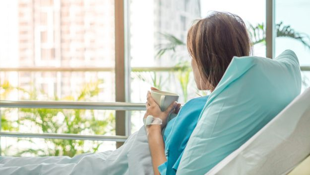 5 Things To Consider Before Buying Hospital Beds