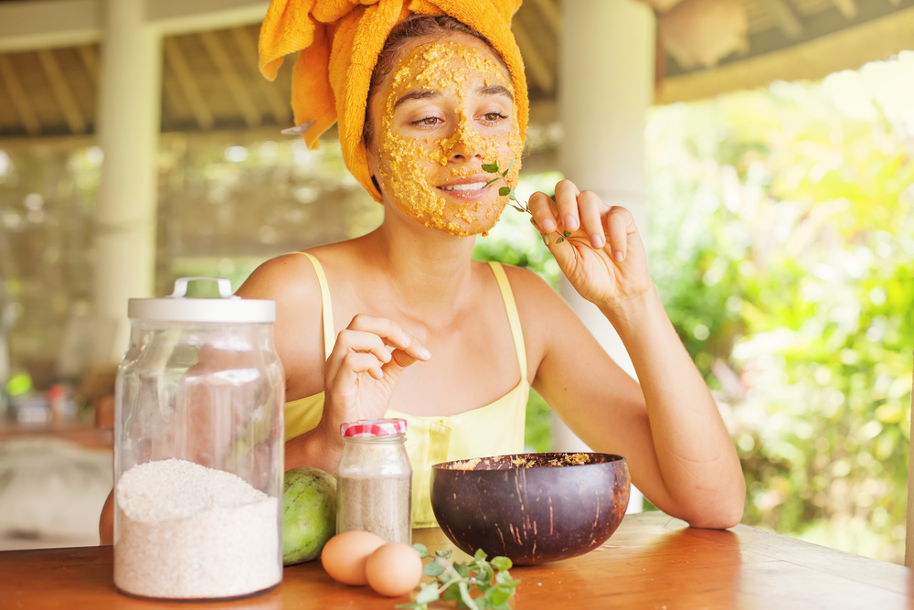 5 Proven Ways To Treat Common Skin Problems Naturally