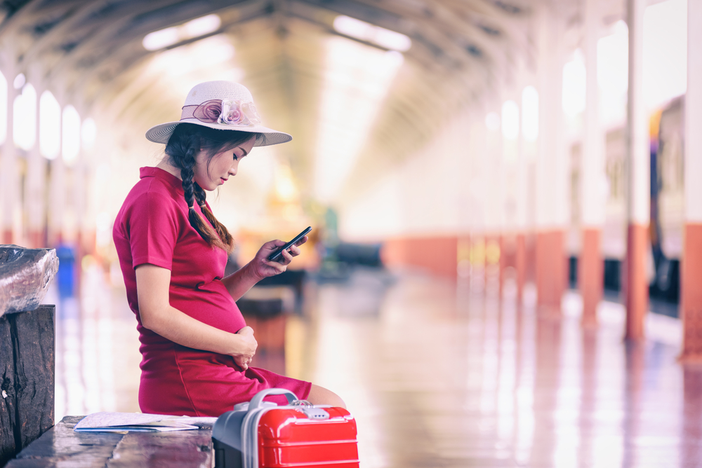 Helpful Tips For Travelling Safely During Pregnancy