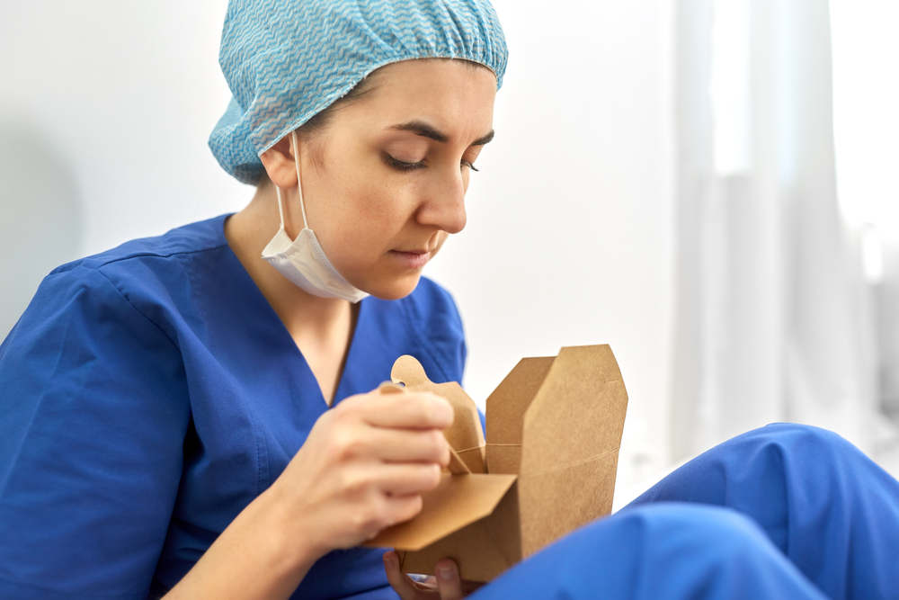 eating on your hospital night shift
